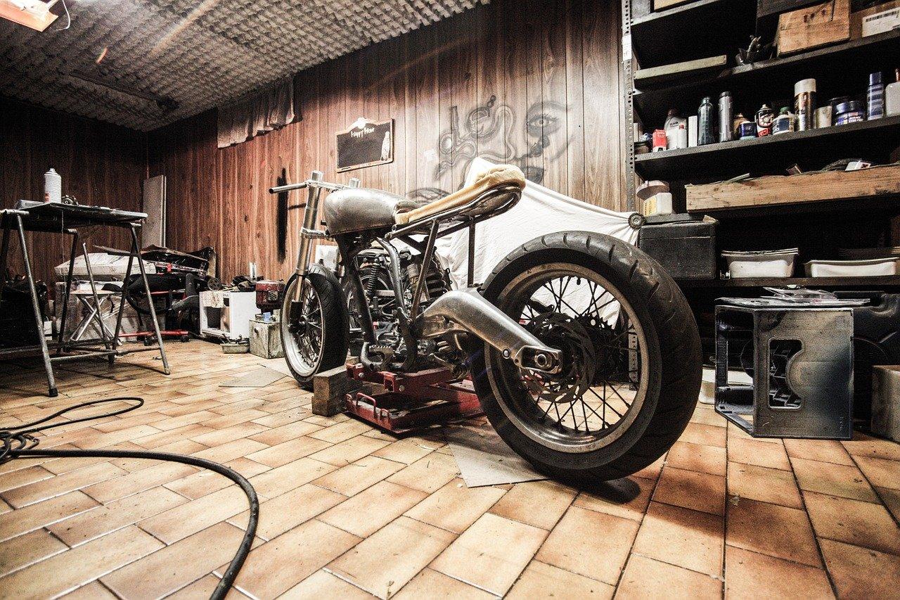 garage 1620144746